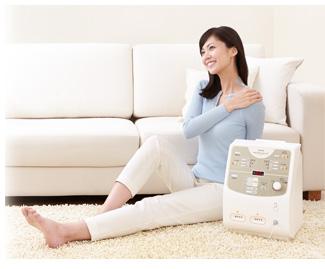 【低周波治療】心地よい電流の刺激で筋肉のコリや神経の痛みをやわらげる。