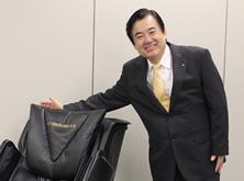 マッサージチェアの魅力を伝えるソムリエ。明日の日本の元気を注入すべく日々活動している。