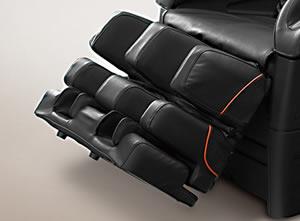 ひざ下全体のマッサージポイントをカバーする、「脚部3段式オットマン」。